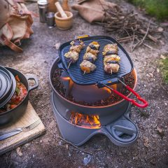 Wood-burning barbecue by INVICTA