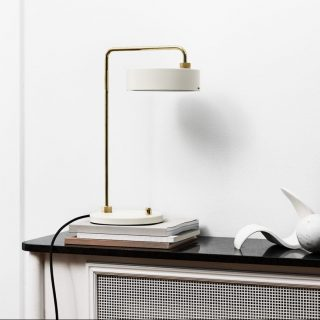 MADE BY HAND Table lamp